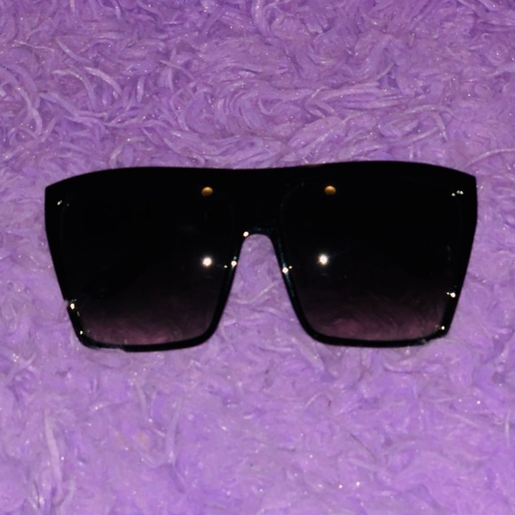 4a0619a281b Accessories - Sunglasses